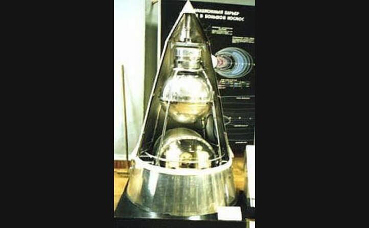 un modello dello sputnik 2 (foto wikipedia)