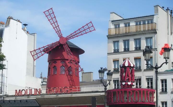 accaddeoggi il 6 ottobre del 1889 apre i battenti il moulin rouge