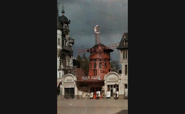la prima sede del teatro bruci nel 1915 (foto wikipedia)