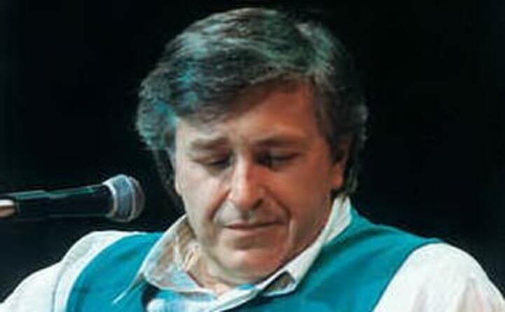 accaddeoggi il 7 ottobre del 2002 muore il cantante emiliano pierangelo bertoli