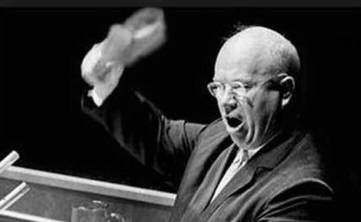 accaddeoggi 12 ottobre 1960 nikita kruscev batte la scarpa sul tavolo dell assemblea generale dell onu una delle pi infuocate della storia