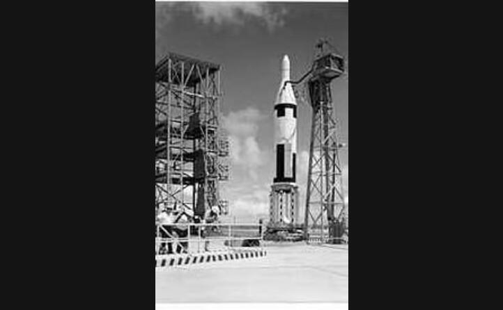 parliamo del forte contrasto tra usa e urss sul dispiegamento di missili balistici sovietici a cuba