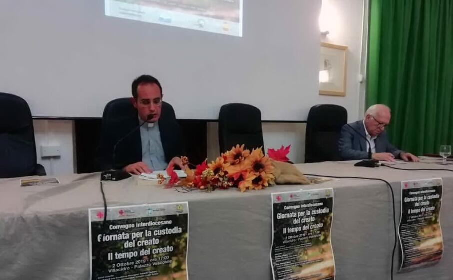 don marco satzu direttore della caritas della diocesi di ales terralba in un recente convegno (l unione sarda pintori)