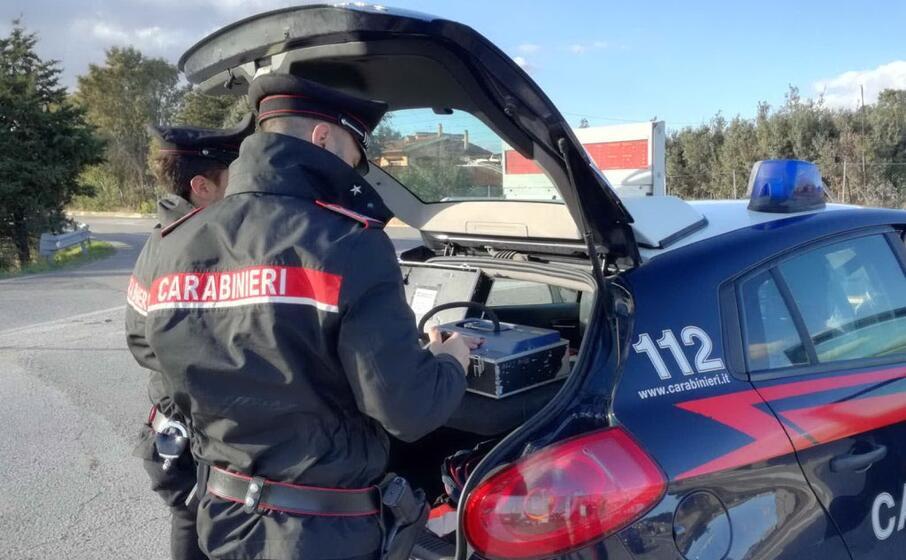 i controlli con l etilometro dei carabinieri della compagnia di isili (foto l unione sarda pintori)