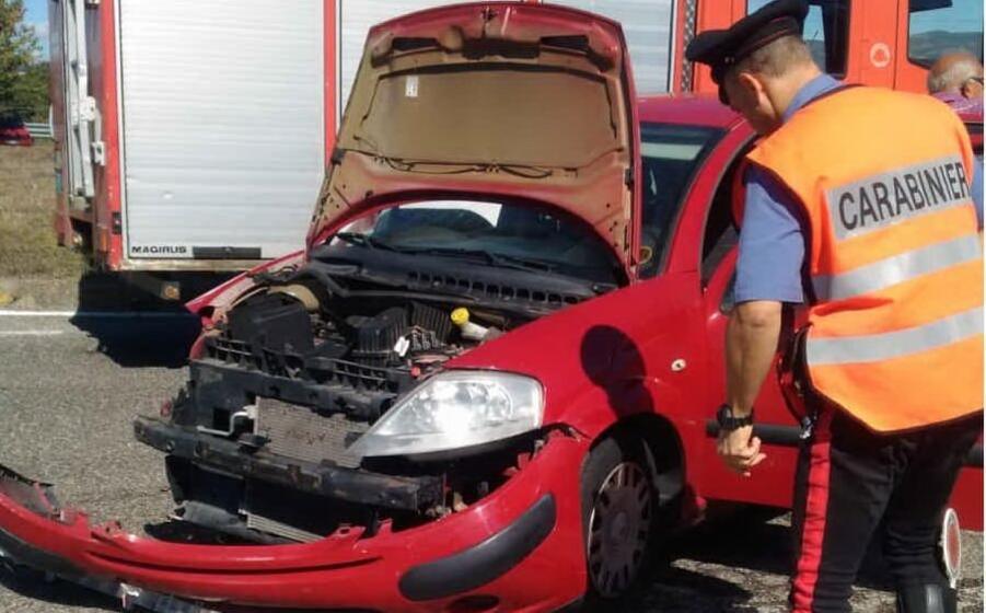 un incidente (foto carabinieri)