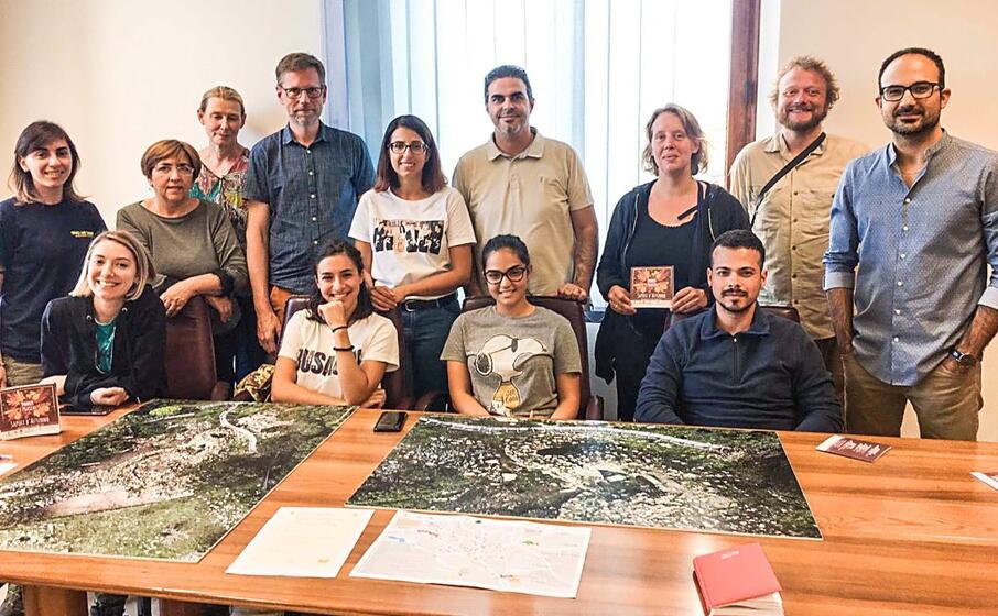 il team dell universit danese con il sindaco di vallermosa francesco spiga e alcuni assessori foto angelo cucca