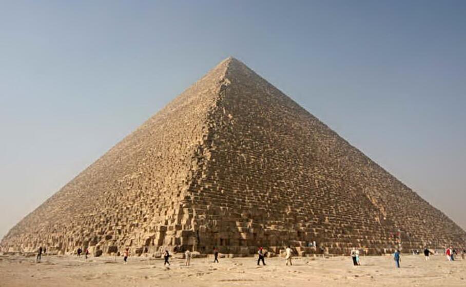 la piramide di cheope (foto da wikimedia)