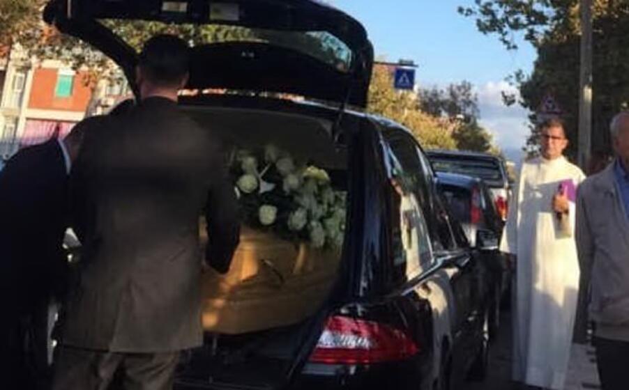 il funerale di anna maria fois (foto l unione sarda simbula)