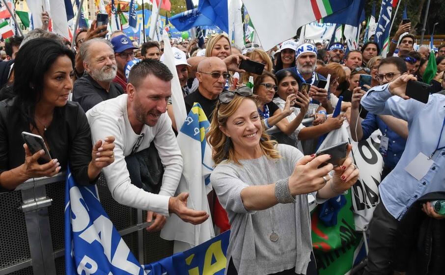 200mila persone secondo la lega si sono radunate in piazza san giovanni
