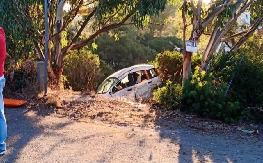 l auto coinvolta nell incidente (foto l unione sarda scano)
