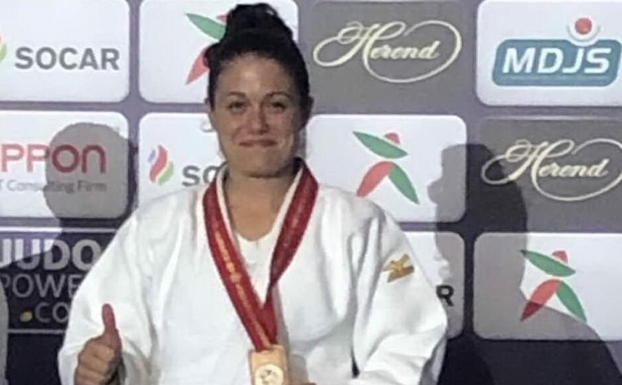 tania volpi medaglia di bronzo ai mondiali veterans di judo disputati in marocco (foto l unione sarda murgana)