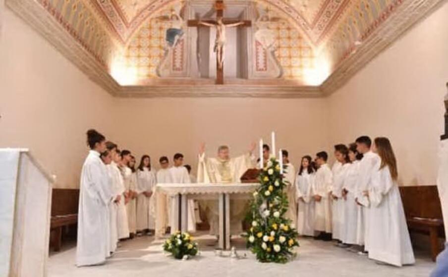 la cerimonia di riapertura e benedizione della parrocchia di marrubiu (foto l unione sarda pintori)