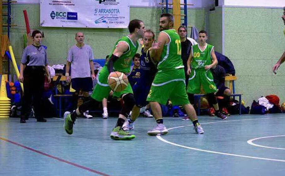 fabrizio piras cecchino del basket mogoro (foto l unione sarda pala)