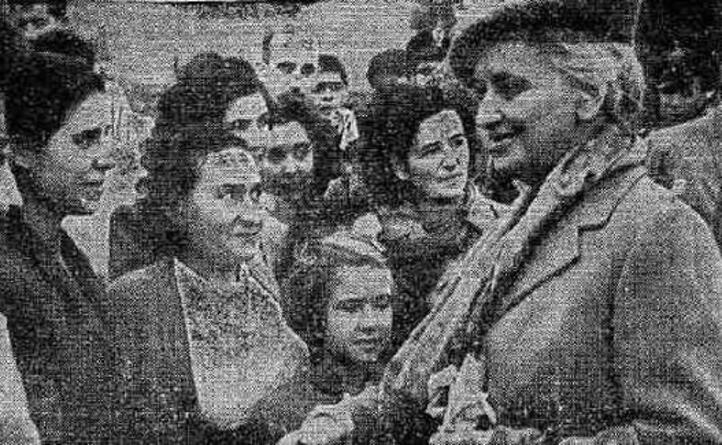donna ida ha accompagnato il marito nel viaggio nell isola (archivio l unione sarda)