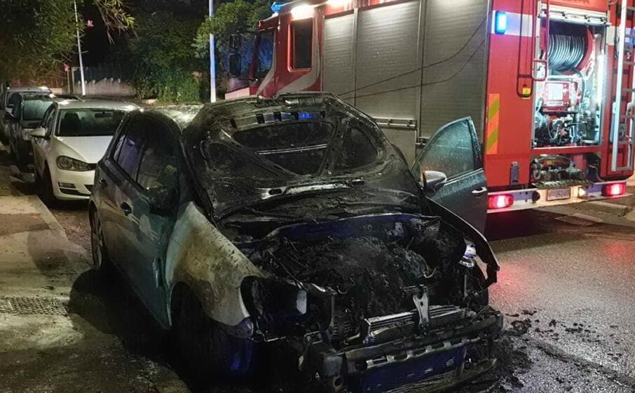 l auto incendiata questa notte (l unione sarda scano)