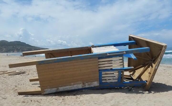 gonnesa plag e mesu ecco l ennesimo esempio di come amiamo le nostre spiagge lo scatto di sergio pinna (19 05 2019)