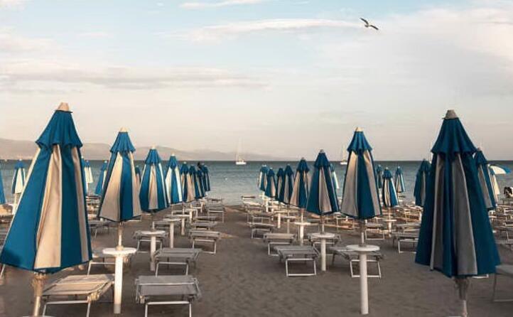 istantanea di fine estate dalla spiaggia del poetto ( _andreamascia_)