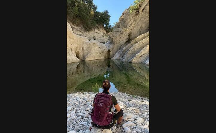 seduti ad ammirare l immensa bellezza del canyon gorrupu a urzulei (foto giorgia_cogoni)