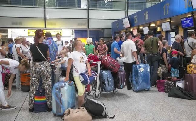 l aeroporto di elmas (archivio l unione sarda)