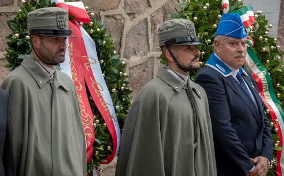 i sassarini in uniforme storica