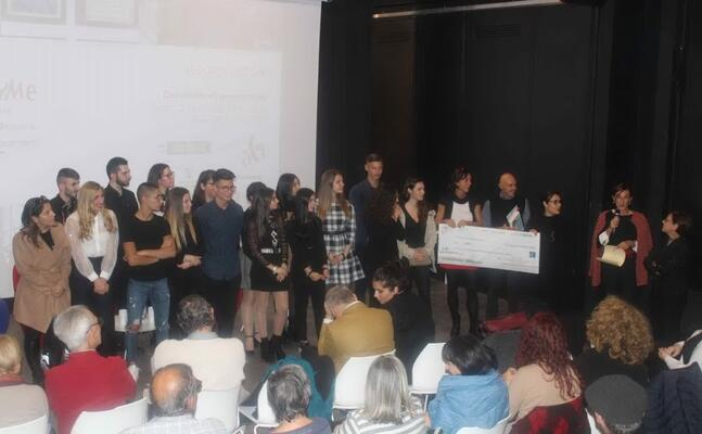 la premiazione (foto associazione gramsci)