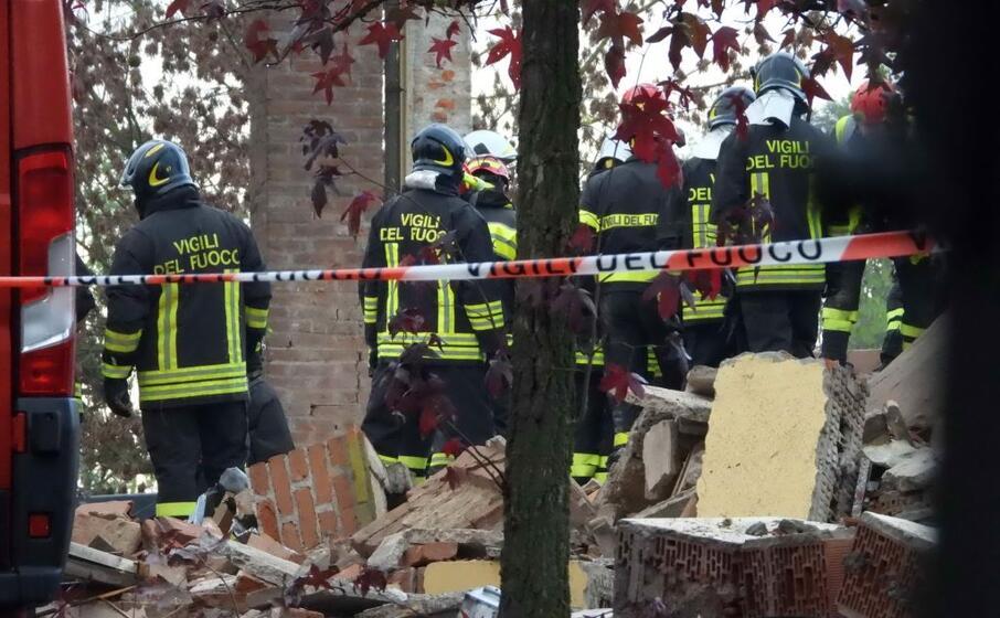 i vigili del fuoco sul luogo della tragedia