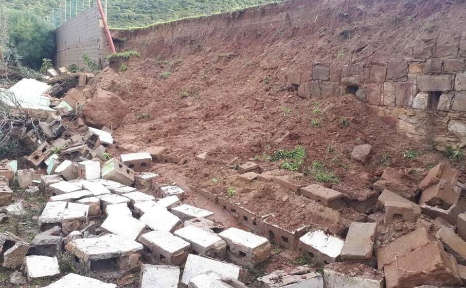 il muro crollato (foto antonella pani)