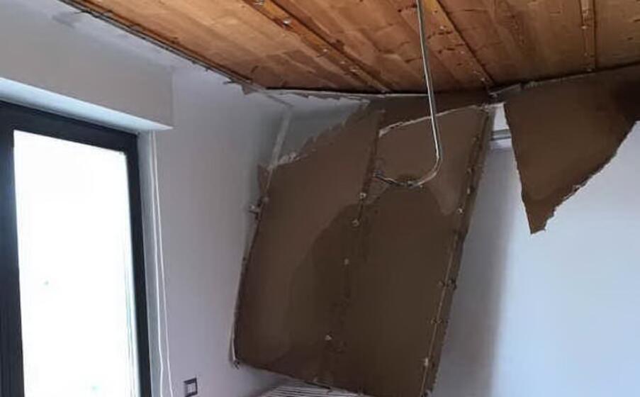 il tetto crollato (foto mariangela pala)
