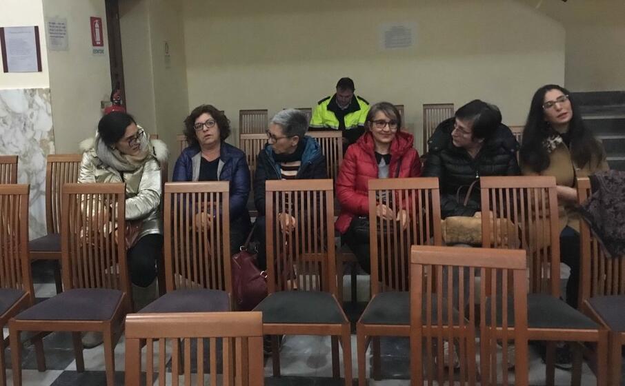 la delegazione di cittadini in consiglio (foto l unione sarda scano)