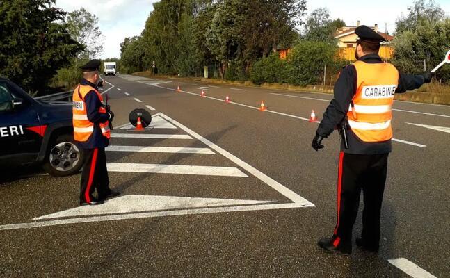 controlli dei carabinieri (foto antonio pintori)