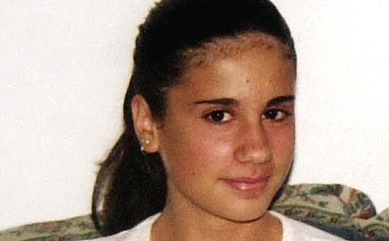 Quattordicenne uccisa a Leno: spuntano cartelli con insulti al padre - L'Unione Sarda.it