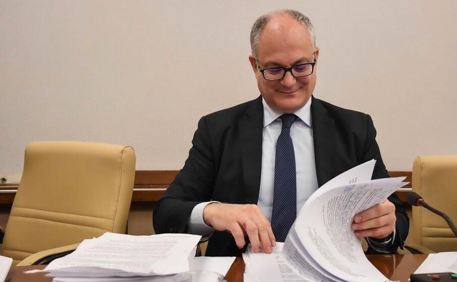 il ministro dell economia roberto gualtieri (ansa)