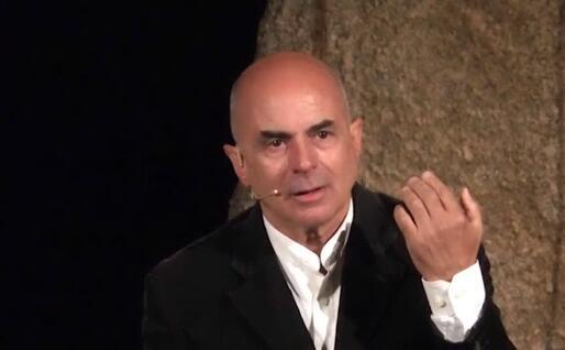 L'attore Giovanni Carroni della compagnia Bocheteatro (foto Voches 'e Ammentos de Garteddi)