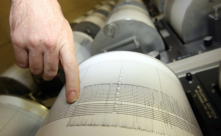 un sismografo (archivio l unione sarda)