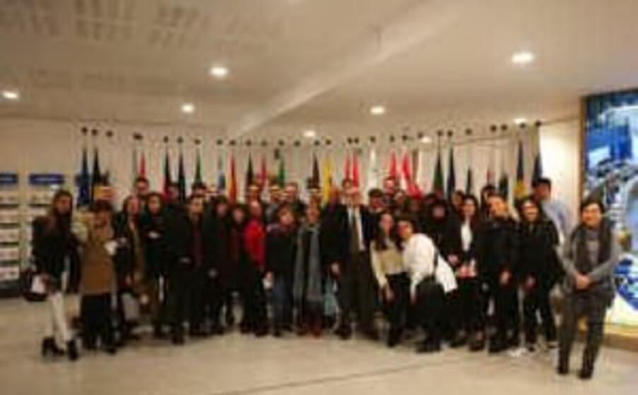 gli studenti a bruxelles (l unione sarda foto cossu)