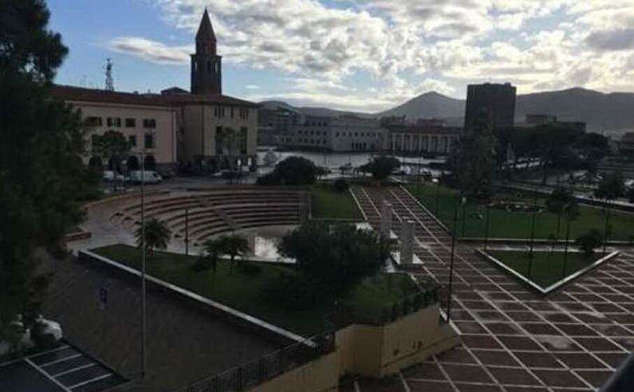 piazza marmilla a carbonia (foto scano)