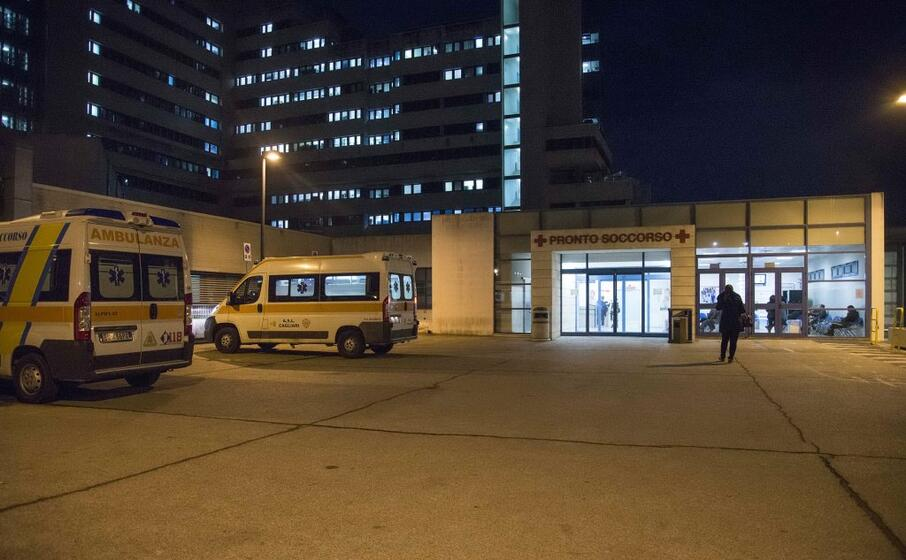 ambulanze al brotzu (archivio l unione sarda anedda endirch)