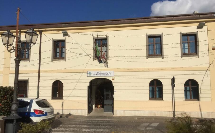 il municipio di sarroch (archivio l unione sarda)