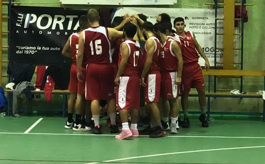 festeggiamenti basket oristano a mogoro (foto giacomo pala)
