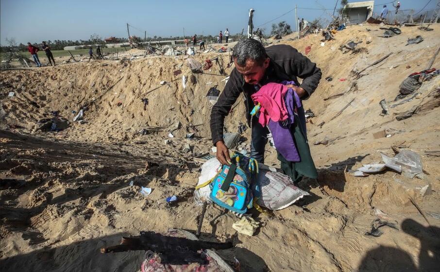 la disperazione di un palestinese (ansa)