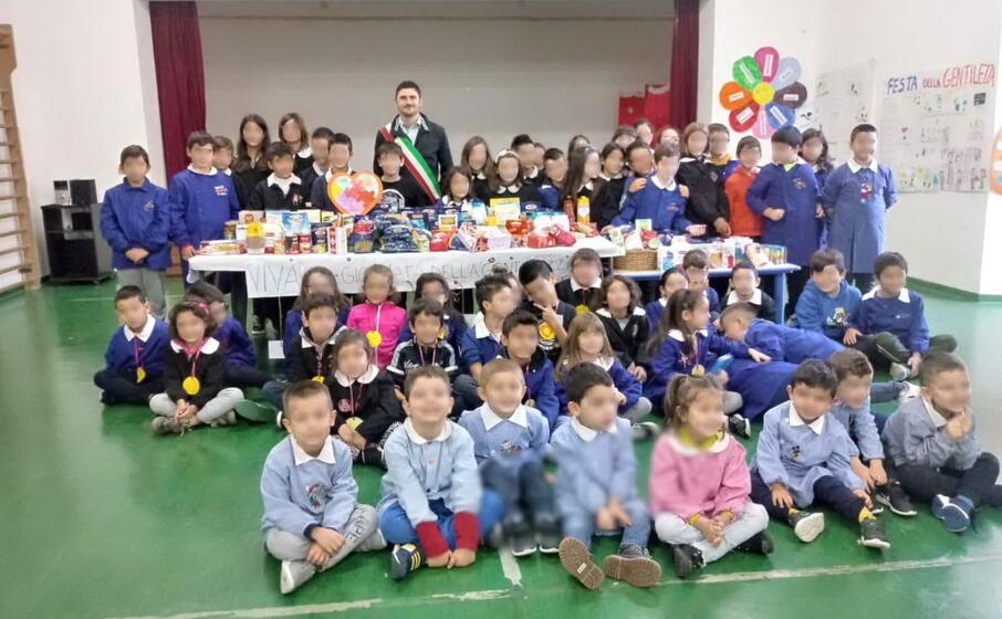 il gruppo di bambini protagonista della iniziativa (l unione sarda foto pala)