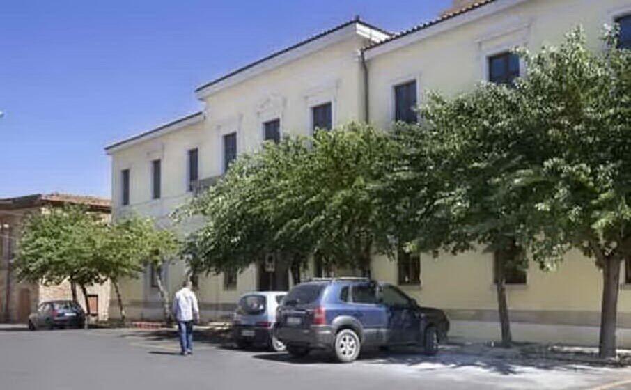 la piazza del municipio di san vito (archivio l unione sarda)