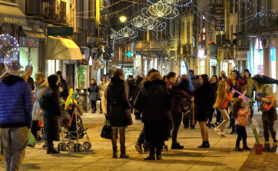shopping natalizio a cagliari (archivio l unione sarda ungari)