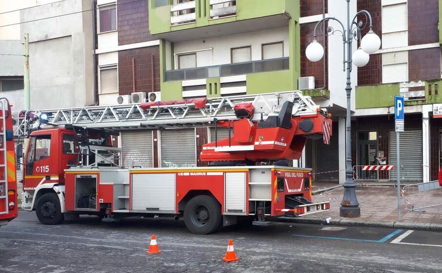 i vigili del fuoco sul posto (foto giorgia daga)