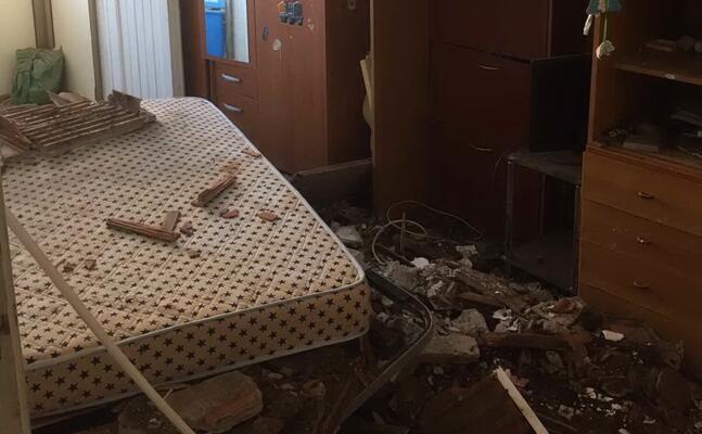 la stanza dopo il crollo dello scorso agosto nulla cambiato (foto vercelli)