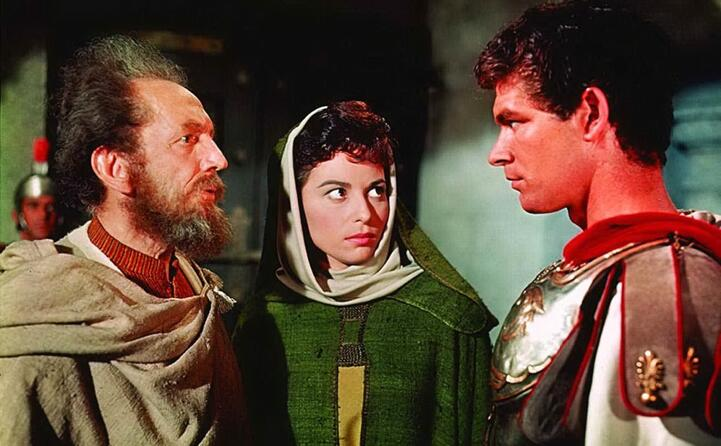 nel cast anche haya harareet nel ruolo di esther (foto imdb)