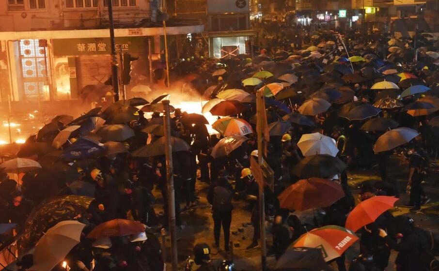 stavolta i manifestanti hanno preso di mira il politecnico