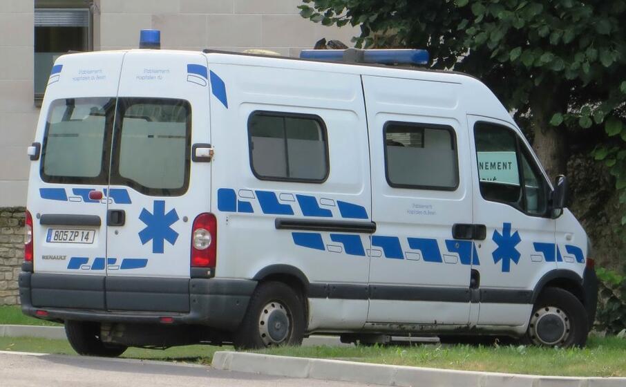 un ambulanza (foto wikipedia)