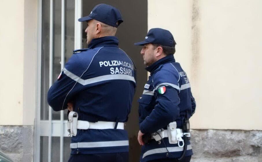 due agenti (archivio l unione sarda calvi)