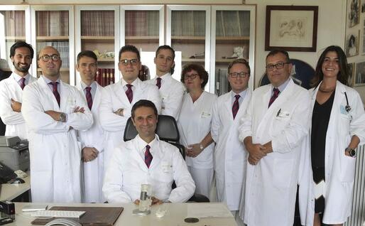 L'equipe medica guidata dal professor Gasbarrini (Ansa)
